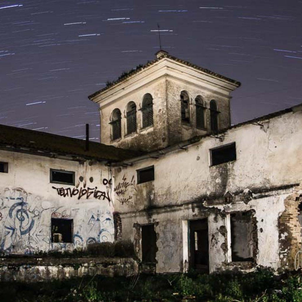 Hacienda El Palo de noche con estrellas