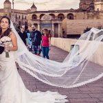 novios en puente romano lugar favorito de un fotografo de boda en córdoba