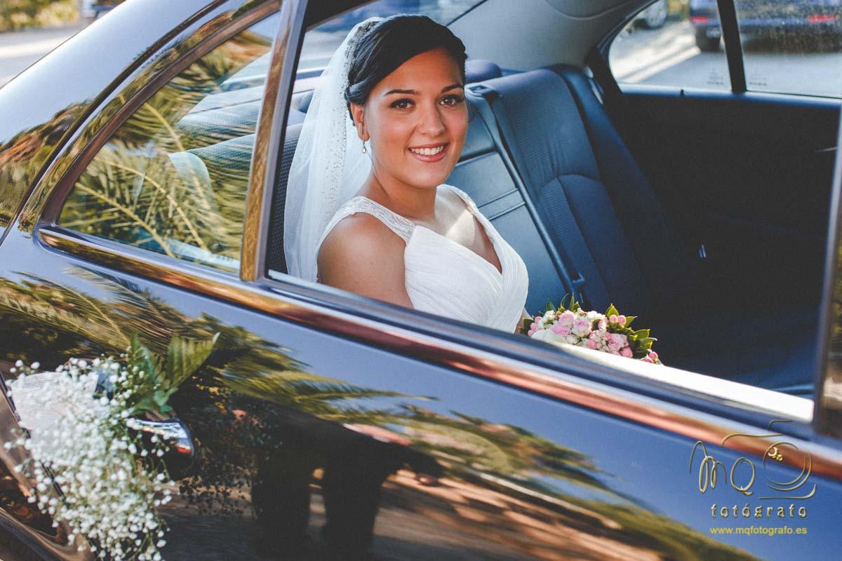 novia en el coche llegando a la hacienda Azahares